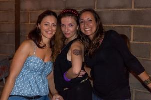 Mónica and the go-go dancers