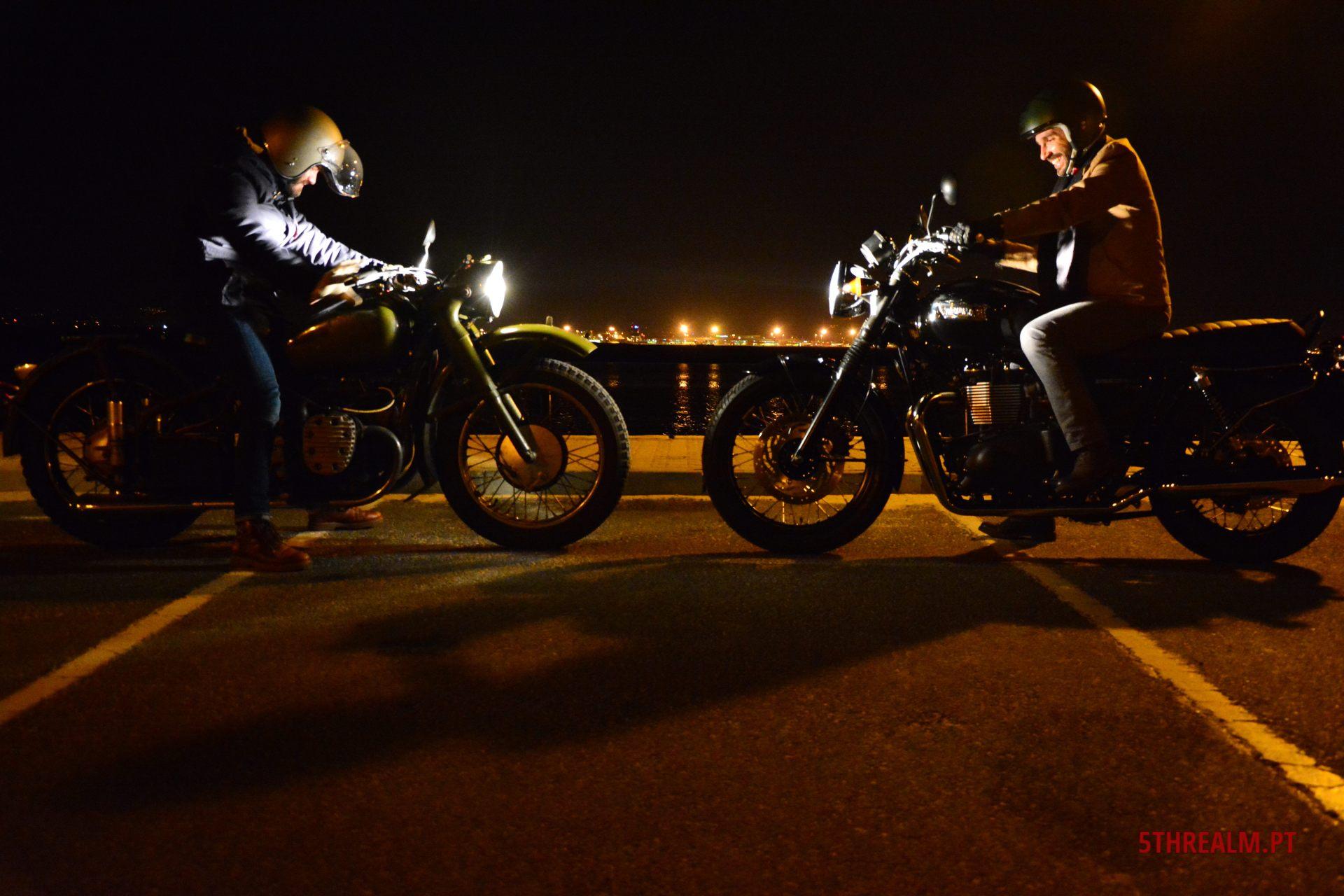 Chang Jiang 750, Triumph Bonneville T100 Black, Praia de Faro